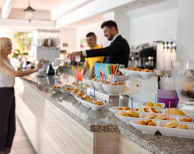 ih-hotels-monopoli-porto-giardino-resort_bar
