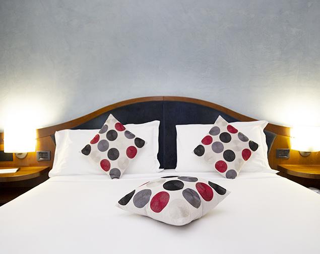 ih-hotels-milano-blu-visconti-albergo-camera-matrimoniale-standard