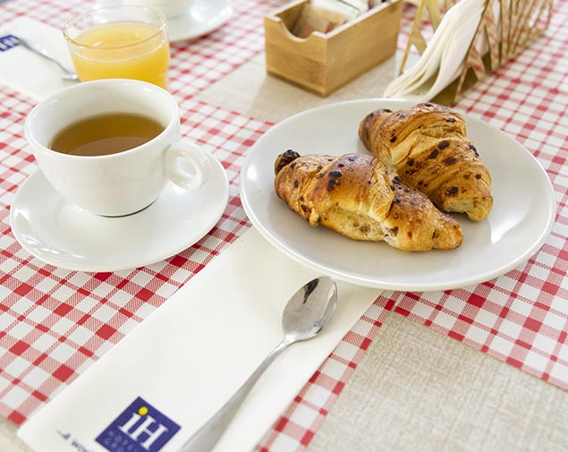 ih-hotels-milano-blu-visconti-breakfast