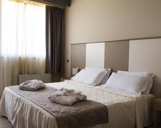 ih-hotels-bologna-gate7-albergo-4-stelle-bologna-camera-deluxe