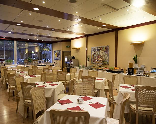 iH-Hotels-Roma-Cicerone-Meeting-Room-Sala-Valadier
