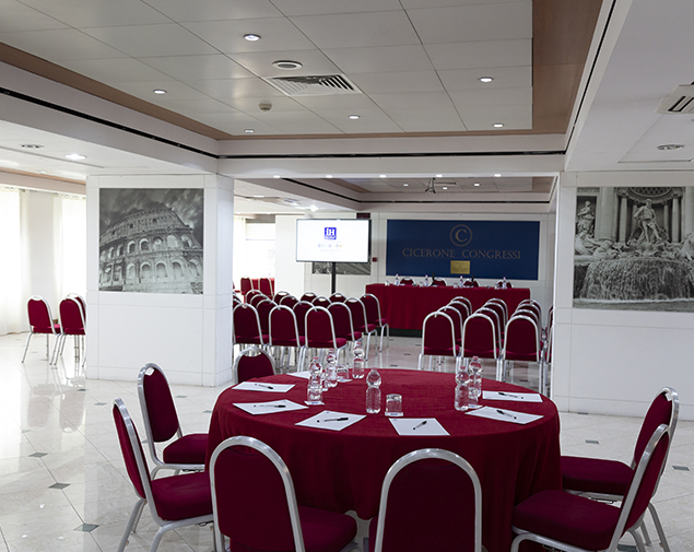 iH-Hotels-Roma-Cicerone-Meeting-Room-Centro-Congressi
