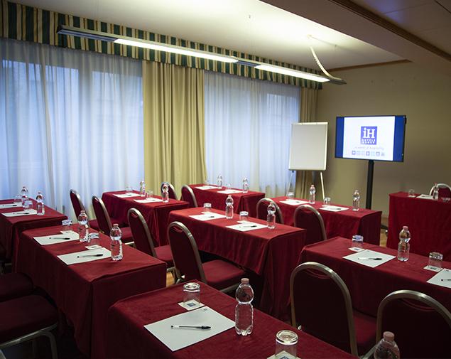 iH-Hotels-Roma-Cicerone-Meeting-Room-Sala-Superior