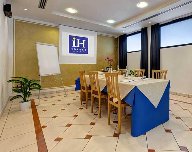 ih-hotels-firenze-business-sala-meeting-giglio