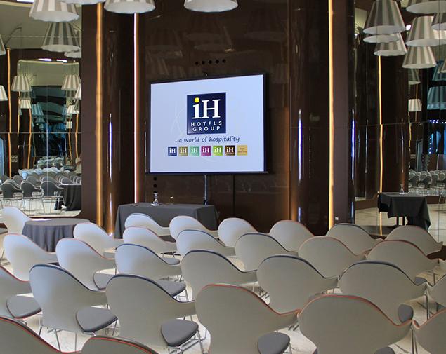 ih-hotels-bari-grande-albergo-delle-nazioni-sala-meeting-circolare