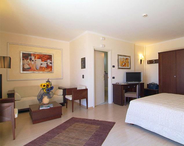 ih-hotels-roma-sud-la-mela-suite