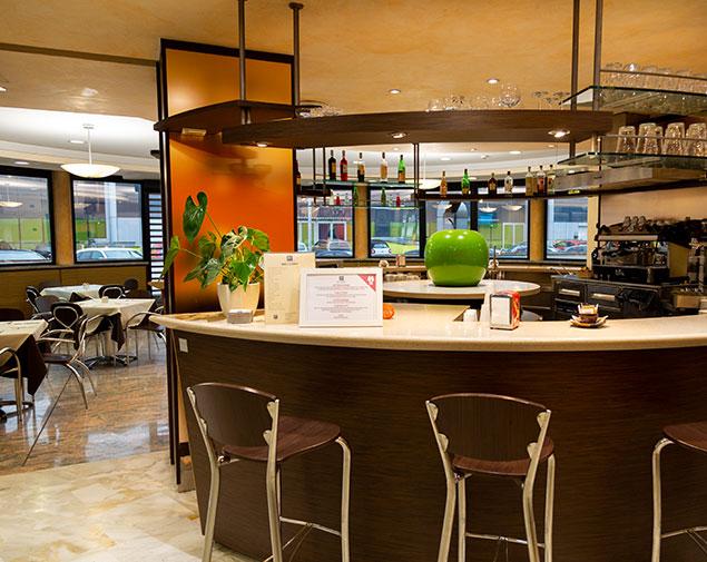 /ih-hotels-roma-sud-la-mela-bar-colazione