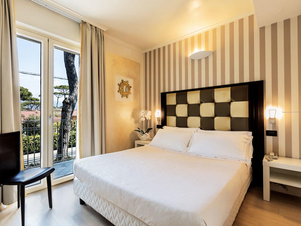 ih-hotels-forte-dei-marmi-logos-room-classic