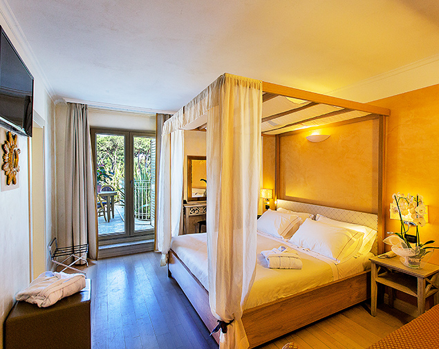 ih-hotels-forte-dei-marmi-logos-camera-superior