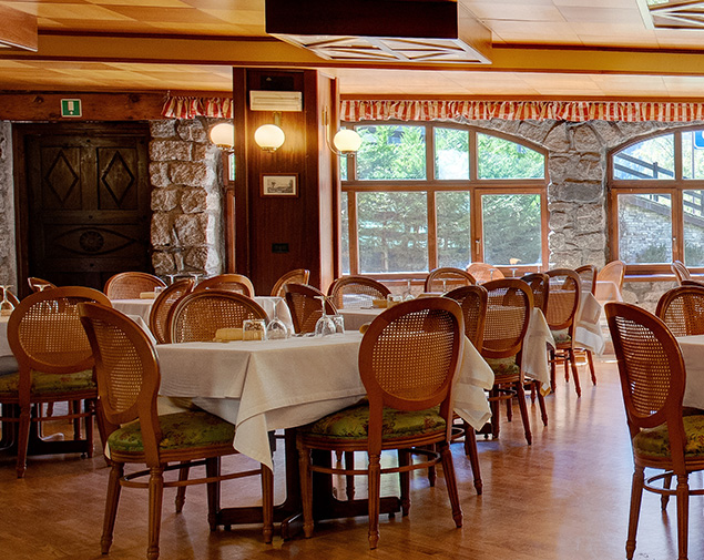 iH Hotels Courmayeur Mont Blanc 4 stelle sala ristorante