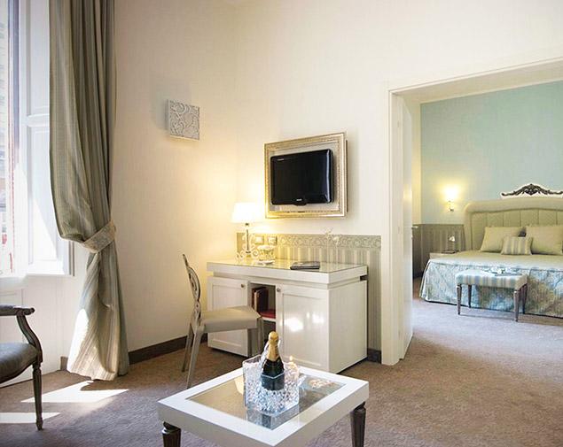 ih-hotels-bari-oriente-camera-suite-oriente