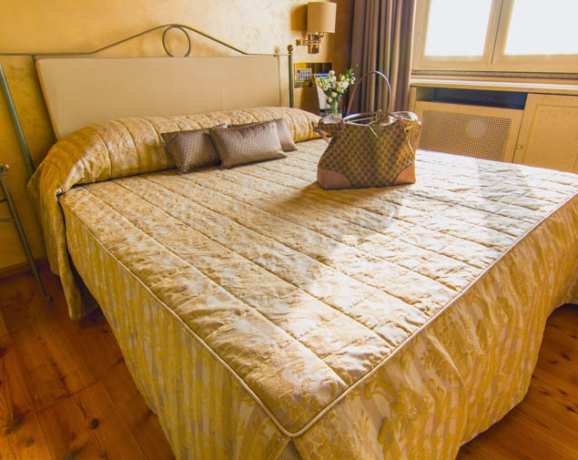 ih-hotels-parco-borromeo-cesano-maderno-camera-superior