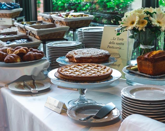 ih-hotels-parco-borromeo-cesano-maderno-international-breakfast