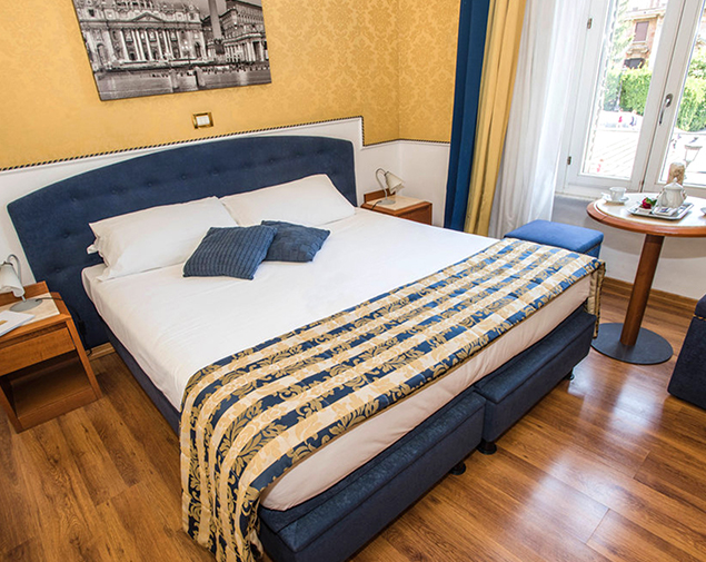 ih-hotels-piazzadispagnaview-guesthouse-roma-camere-sperior