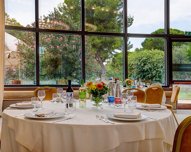 ih-hotels-monopoli-porto-giardino-resort_restaurant