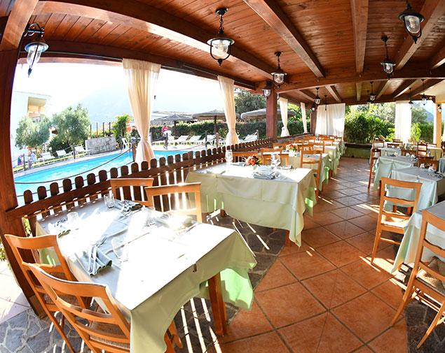 ihhotels-villasimius-lezagare-ristorante-resort